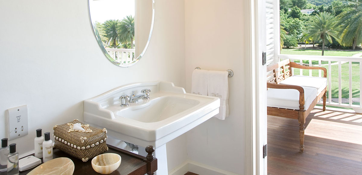 Junior Suite Bathroom Bright and spacious