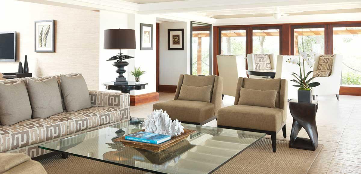 Crow's Nest living room