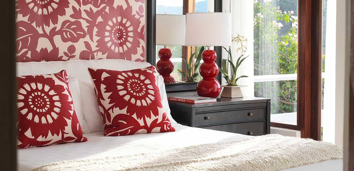 Crow's Nest living Red Bedroom