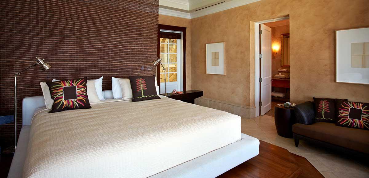 Falcon's Nest bedroom