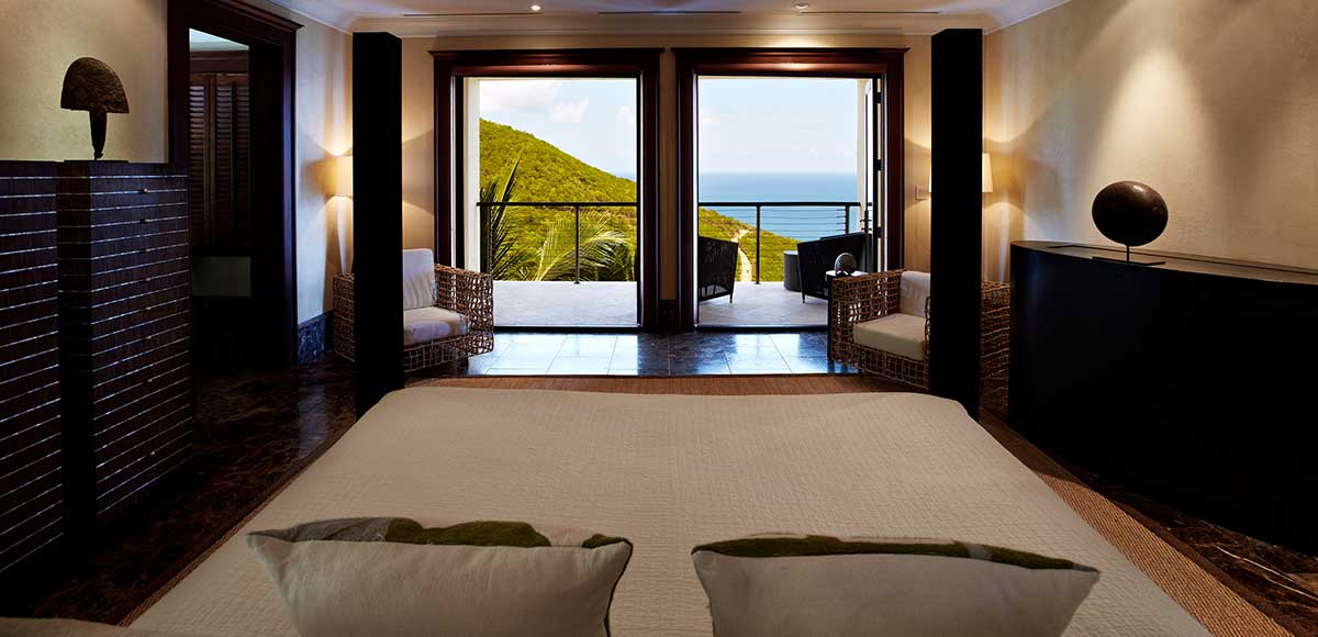 Falcon's Nest bedroom with view