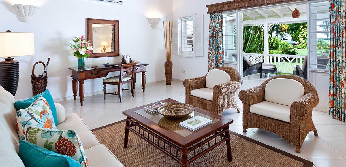 Luxury Cottage/Suite - Living Room