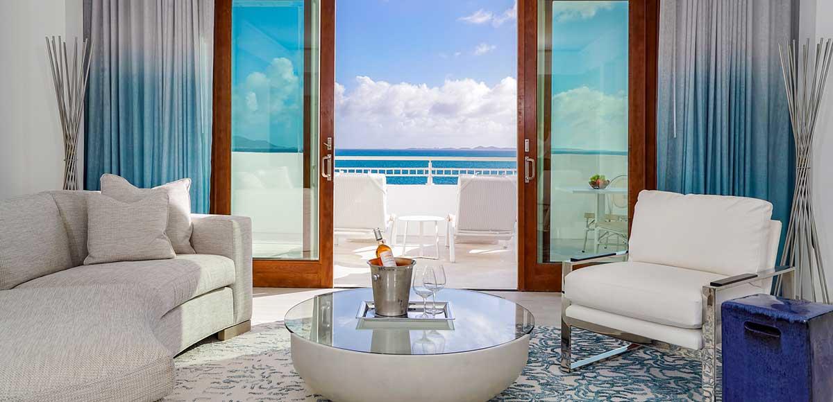 Beachfront One Bedroom Suite Living Room