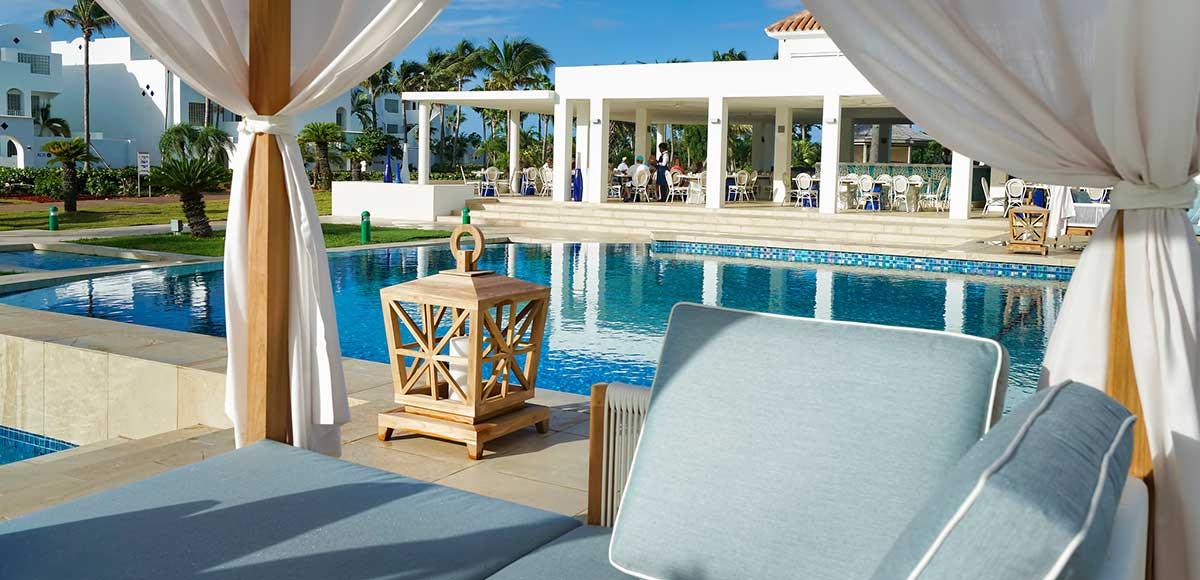 CuisinArt Poolside Mosaic Restaurant & Lounge