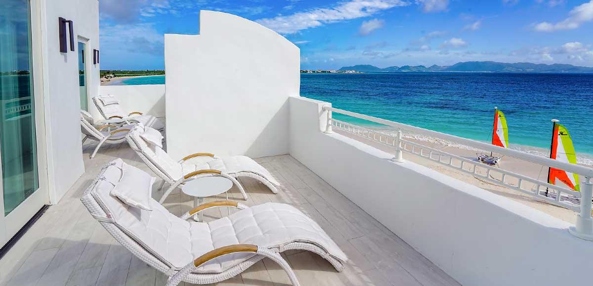 Beachfront One BR Suite Balcony