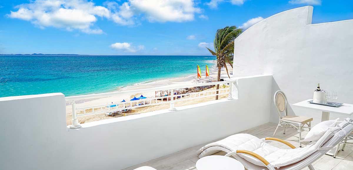 Deluxe Beachfront JST Balcony
