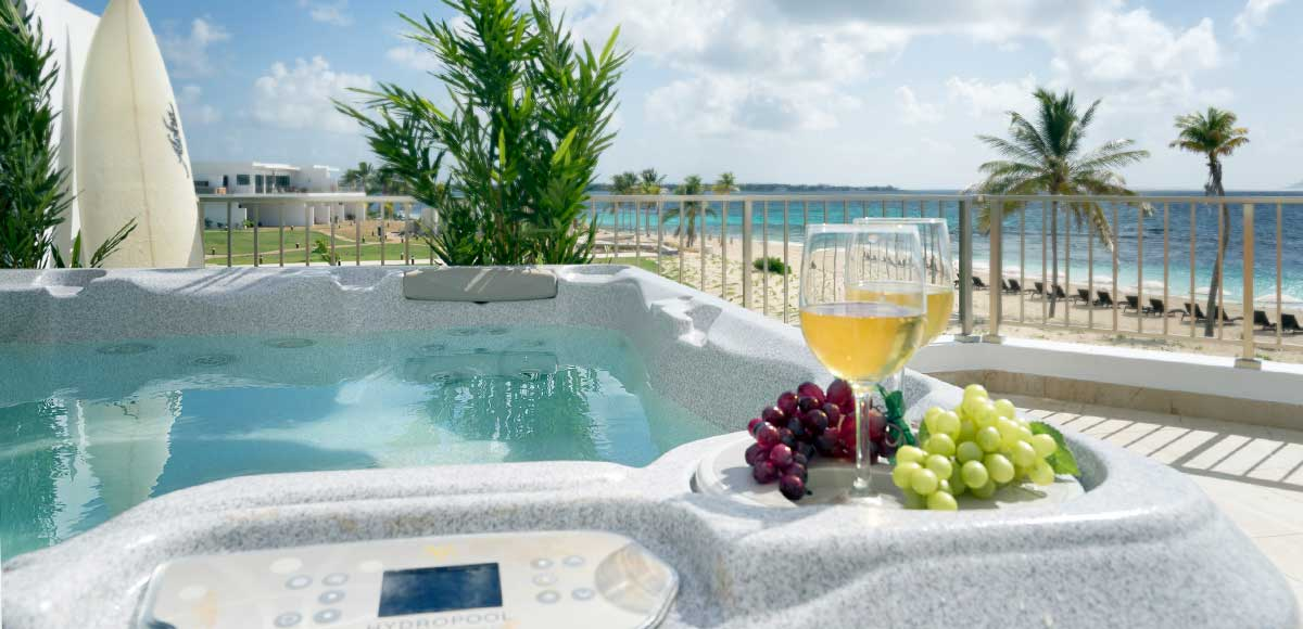 Deluxe Beachfront Junior Suite with Jacuzzi