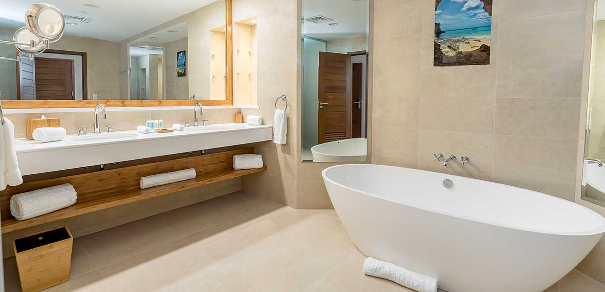 Seaview and Golfview Suite Bathroom